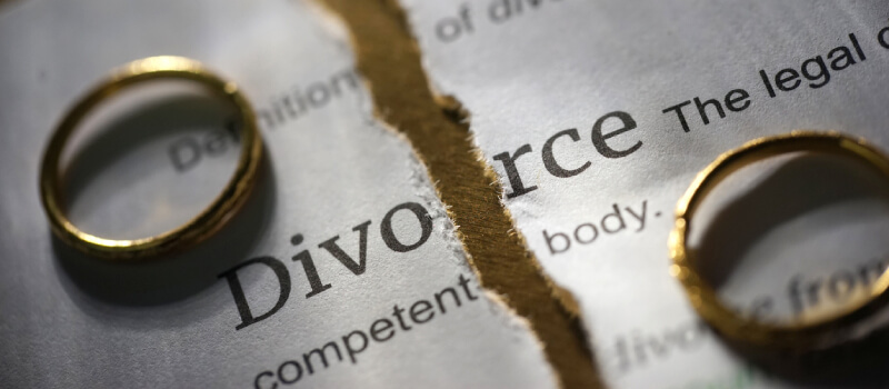 Hiring a Divorce Lawyer who is Experienced in Asset Division