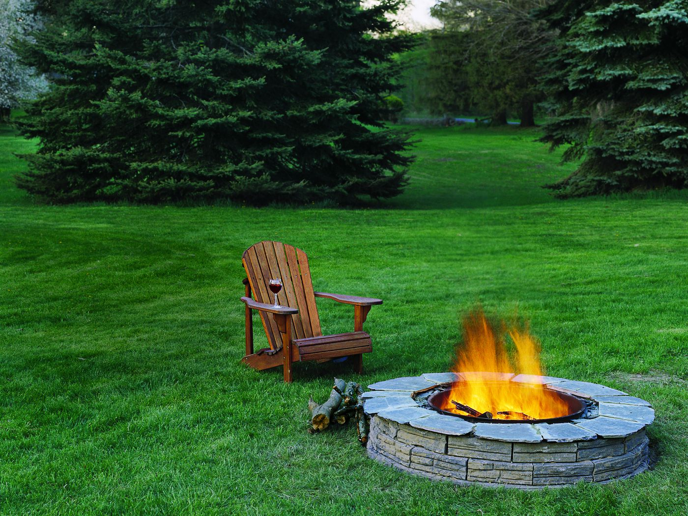 Having Some Unforgettable Moments With a Fire Pit